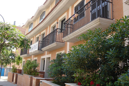 Parc artiga 13 viviendas unifamiliares con jard n en reus - Constructora reus ...